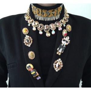 Broches-et-colliers-portés-Bijoux-de-Famille