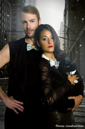 Couple-From-Mumbai-to-New-York-Bijoux-de-Famille