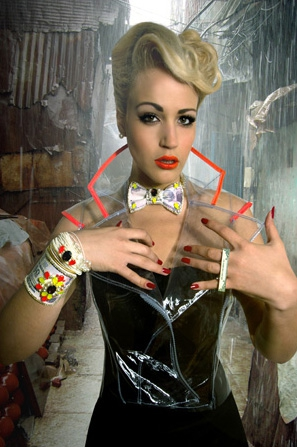 Lady-From-Mumbai-to-New-York-Bijoux-de-Famille