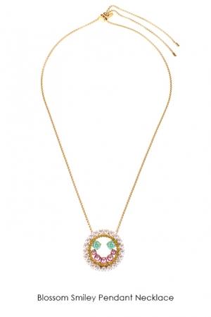 blossom-smiley-pendant-necklace-Bijoux-de-Famille