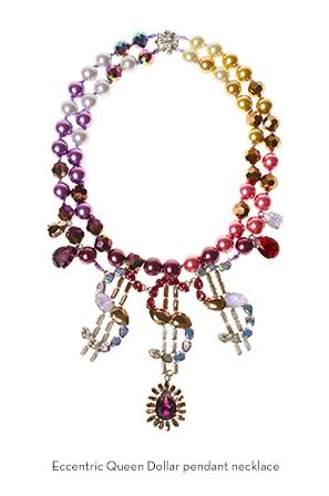 eccentric-queen-doller-pendant-necklace-Bijoux-de-Famille