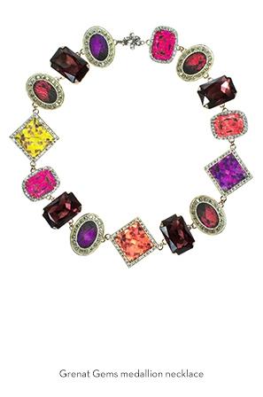 grenat-gems-medallion-necklace-Bijoux-de-Famille