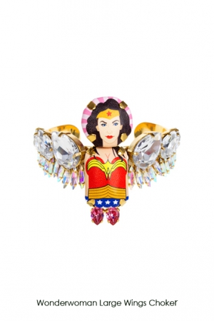 wonderwoman-large-wings-choker-Bijoux-de-Famille